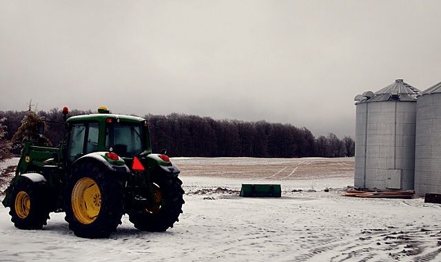 Meaford, Ontarion - Farm Tractor