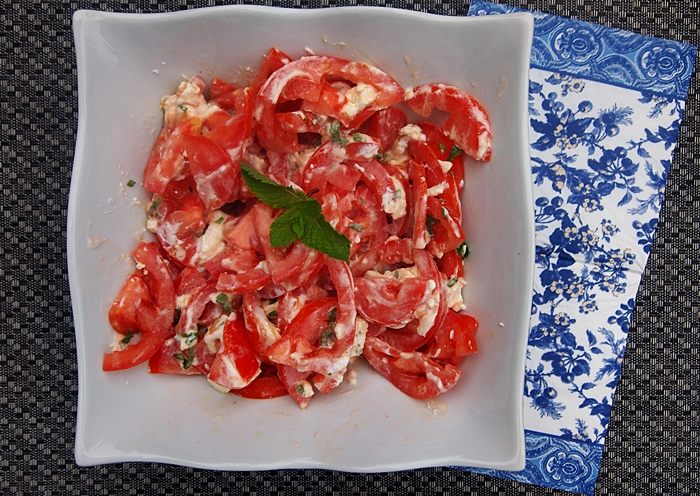 Tomato Mint and Goat Cheese Salad