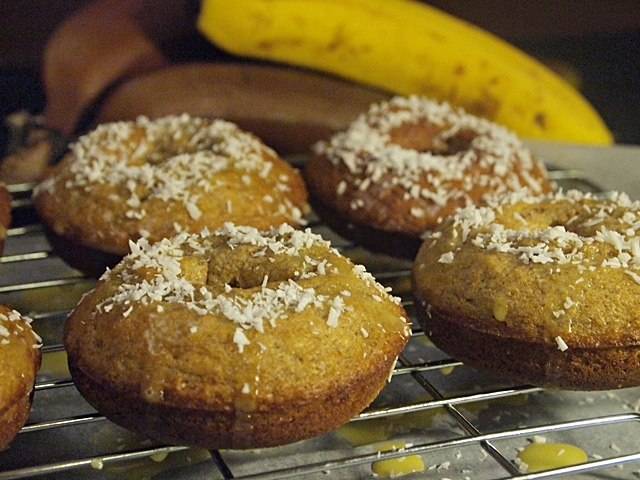 Baked Whole Wheat Banana Coconut Doughnuts