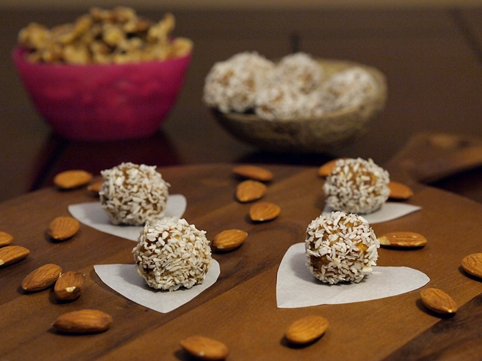 Dates and Walnuts energy balls