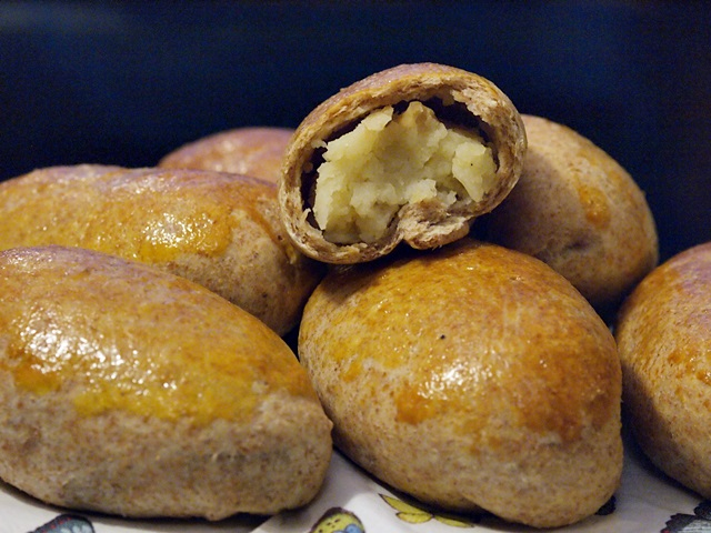 Whole Wheat Potato Piroshki - Potato Stuffed Buns